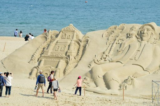 Lễ hội cát ở bãi biển Haeundae, Busan